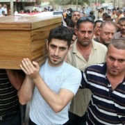 Iraqi-Christians-carry-th-006